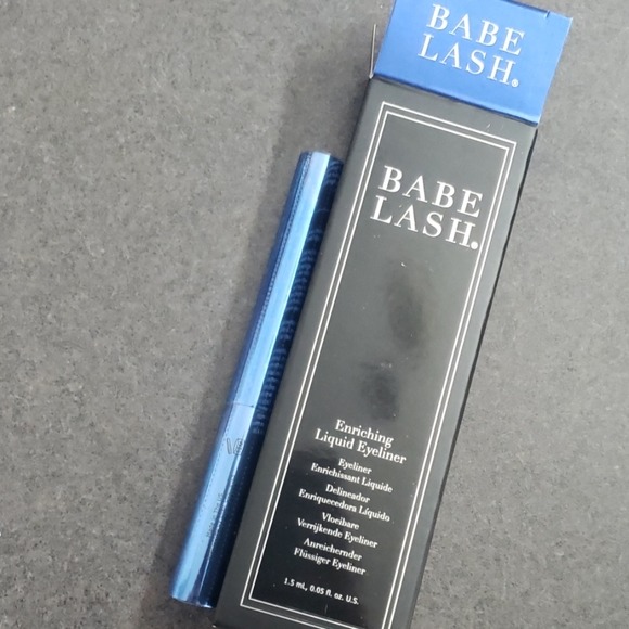 Babe Lash Eyeliner liquid Enriching NIB